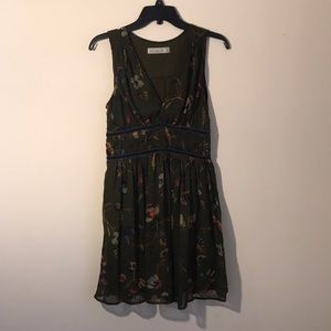 ABERCROMBIE & FITCH olive green print shift dress